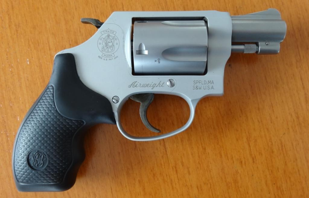 Revolver:Smith & Wesson Airweight .38 Special Model 637