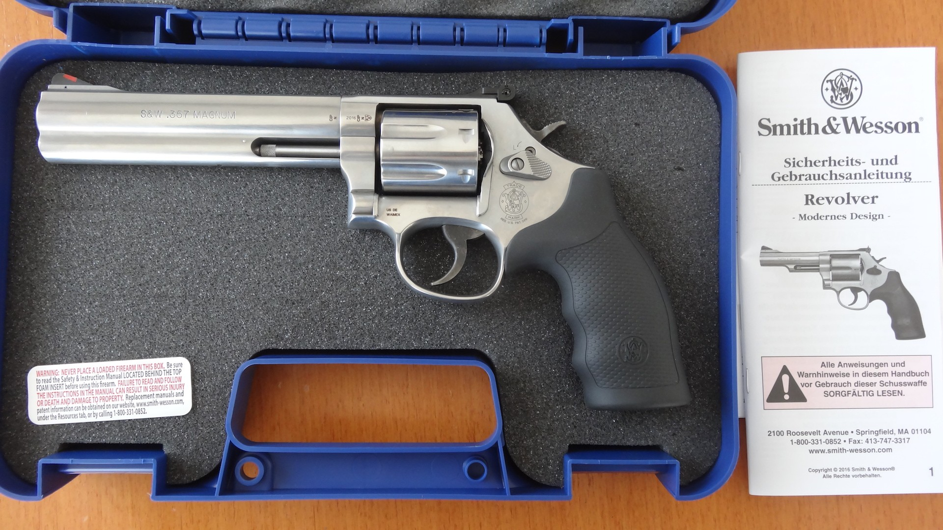 Smith & Wesson Revolver: Mod. 686 WO Plus 7- Schuss .357 Magnum.